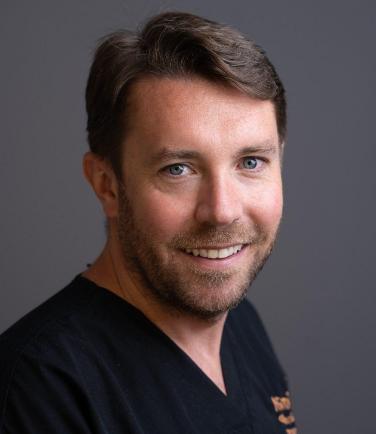 Dr. Oliver Smart - MiSmile Birmingham Invisalign & Cosmetic Dentistry