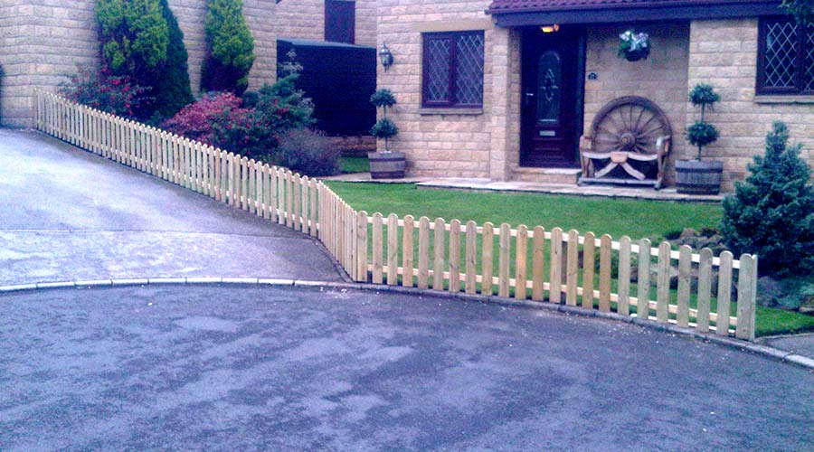 RJW Fencing & Decking Specialist Ltd