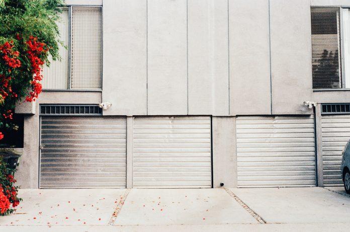 5 Best Garage Door Repair in Liverpool