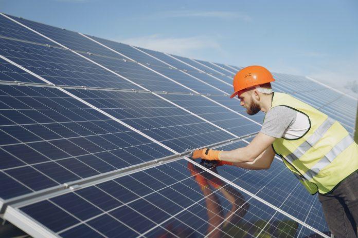 5 Best Solar Panel Maintenance in Manchester